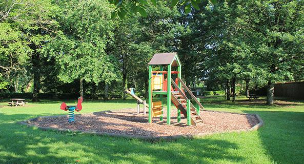 Aire de jeux pour enfants Château de la Roche